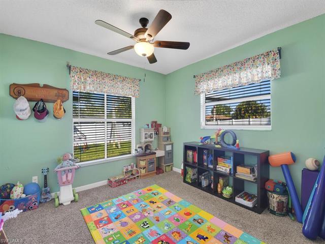 5589 Amoroso Dr, Fort Myers, FL 33919