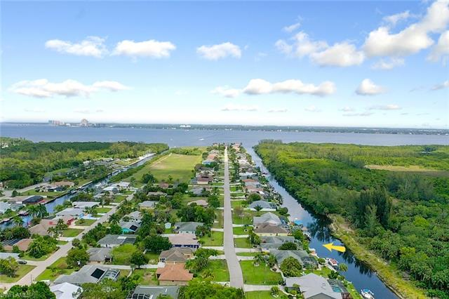 2110 Coral Point Dr, Cape Coral, FL 33990