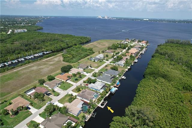 2312 Coral Point Dr, Cape Coral, FL 33990