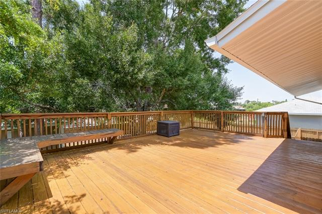 18274 Sycamore Rd, Fort Myers, FL 33967