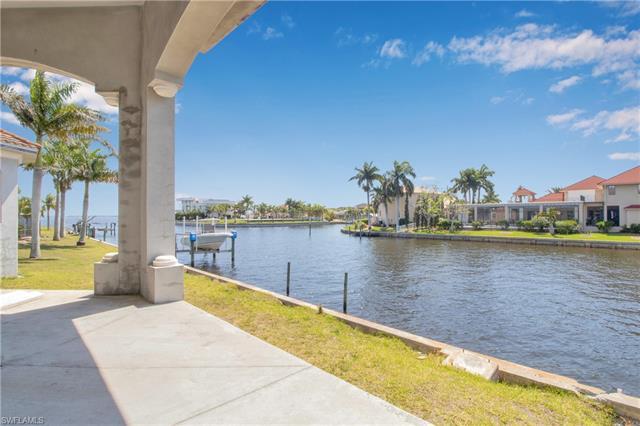 242 Beeney Rd Se, Port Charlotte, FL 33952