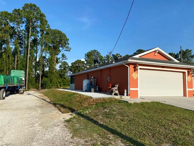 543 Summit Ave S, Lehigh Acres, FL 33974