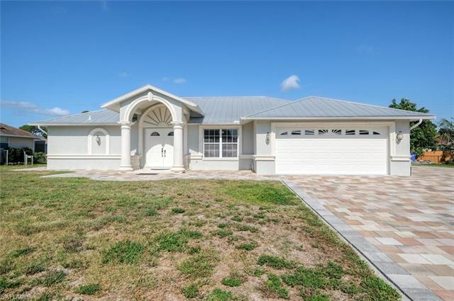 18246 Sycamore Rd, Fort Myers, FL 33967