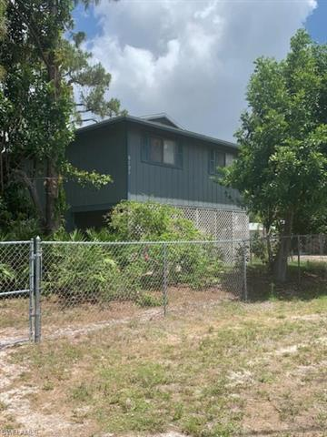 8121 Gull Ln, Fort Myers, FL 33967