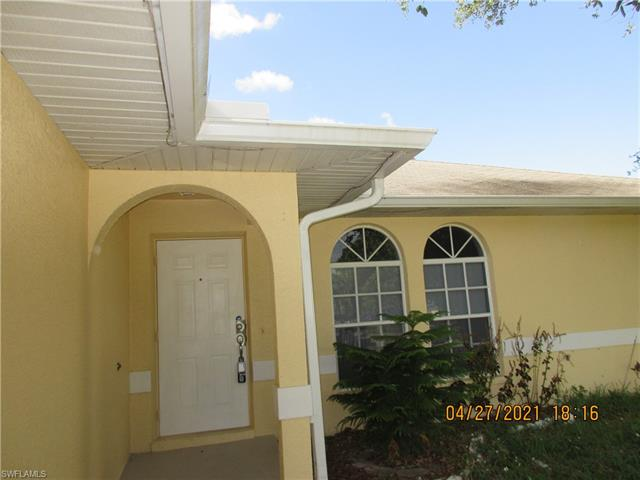 2233 Ne 5th St, Cape Coral, FL 33909