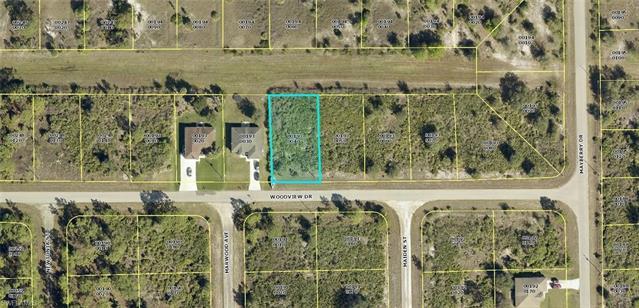550 Woodview Dr, Lehigh Acres, FL 33972