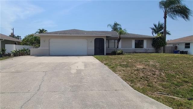 18660 Sebring Rd, Fort Myers, FL 33967