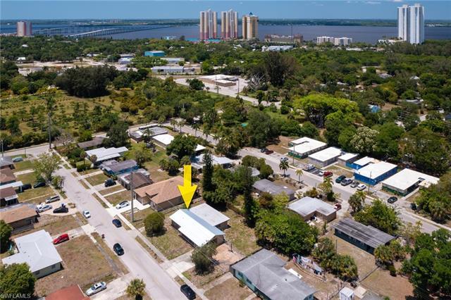 3045 Apache St, Fort Myers, FL 33916