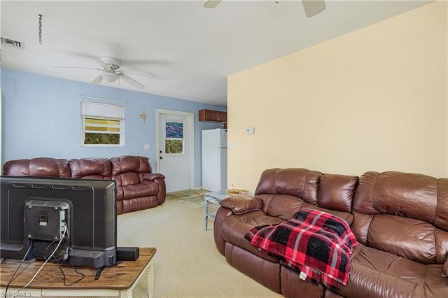 4500 Dor Lee Ln, North Fort Myers, FL 33917