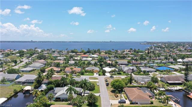 2522 Se 23rd Ave, Cape Coral, FL 33904