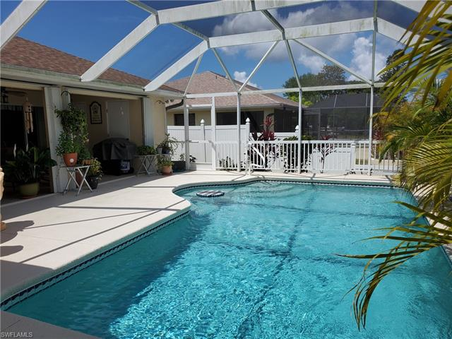 821 Sw 40th Ter, Cape Coral, FL 33914