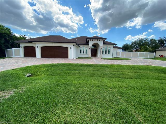 420 Sw 7th Ct, Cape Coral, FL 33991