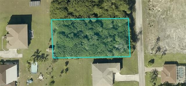 607 Poinsettia Ave, Lehigh Acres, FL 33972