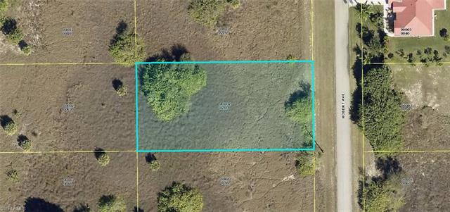 1615 Robert Ave, Lehigh Acres, FL 33972