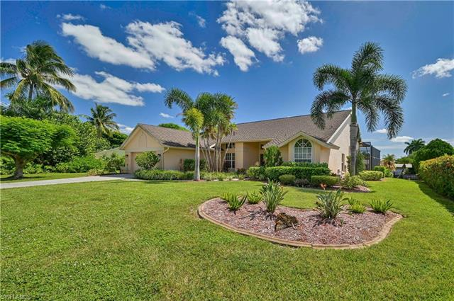 1056 N Town And River Dr, Fort Myers, FL 33919