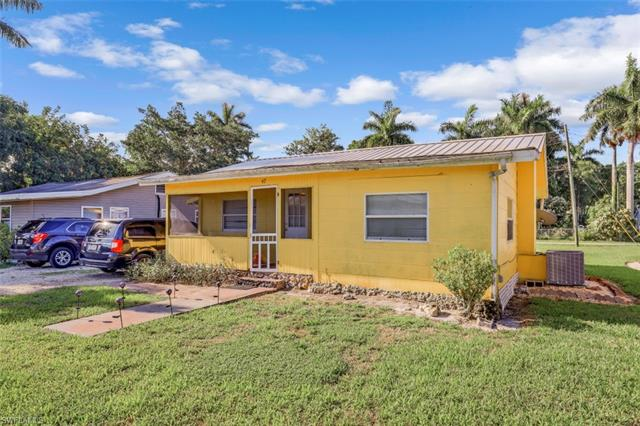 47 Cypress St, North Fort Myers, FL 33903
