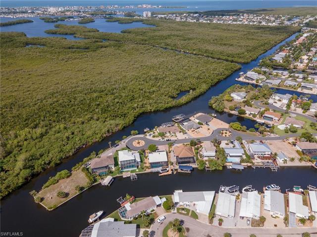 17841 Rebecca Ave, Fort Myers Beach, FL 33931