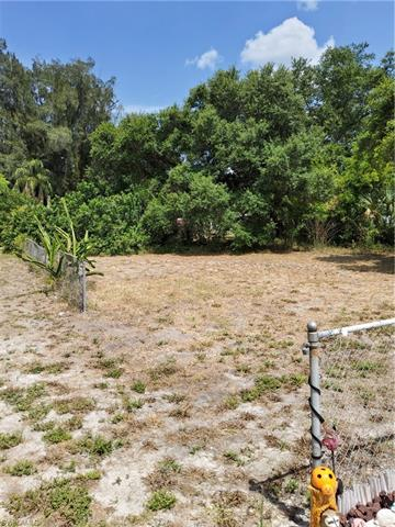 7579 Hart Dr, North Fort Myers, FL 33917