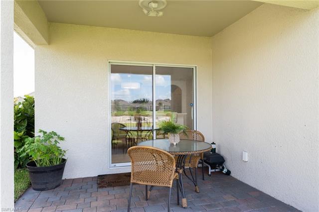 10505 Canal Brook Ln, Lehigh Acres, FL 33936