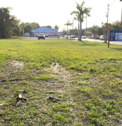3024 Dr Martin Luther King Jr Blvd, Fort Myers, FL 33916