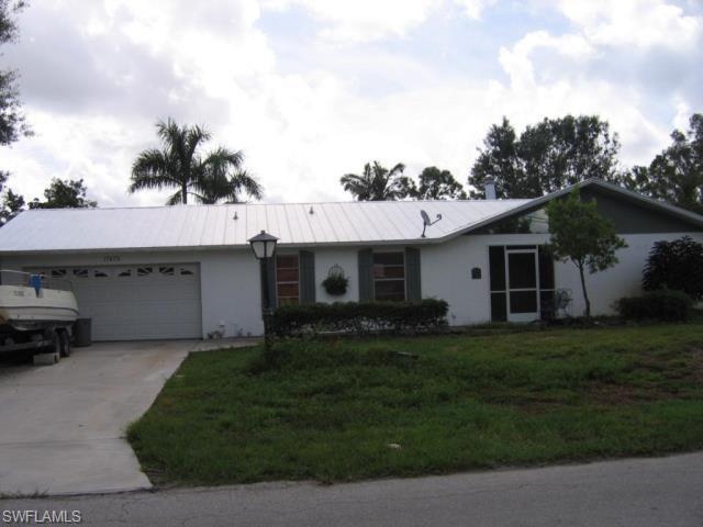 17475 Phlox Dr, Fort Myers, FL 33967