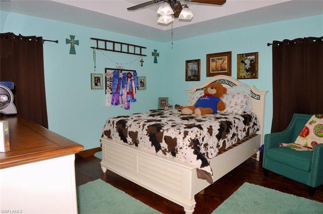 2041 Rialto Way, Alva, FL 33920