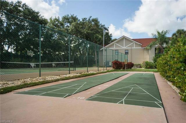 9619 Eaton Gardens Ln 2, Fort Myers, FL 33919