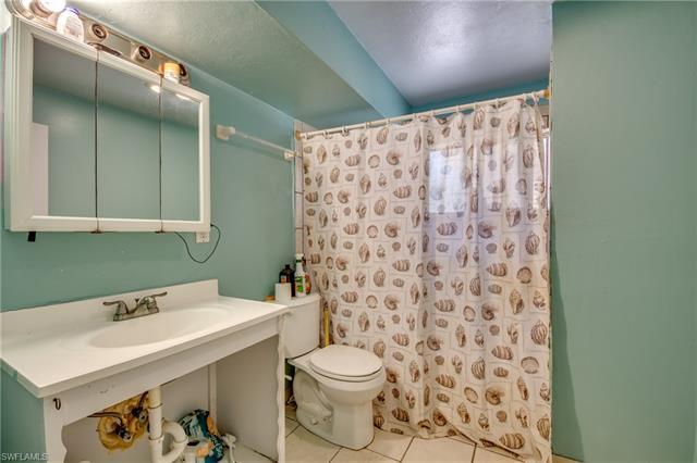 8500 Redwood Dr, St. James City, FL 33956
