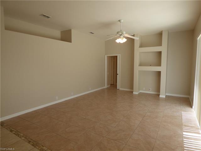 692 Covey Ln, Lehigh Acres, FL 33974