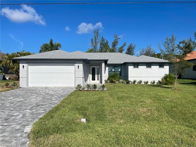 702 Kismet Pky E, Cape Coral, FL 33909