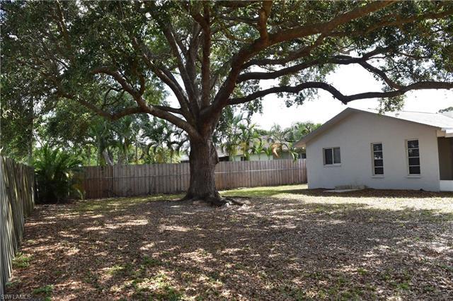 17404 Homewood Rd, Fort Myers, FL 33967