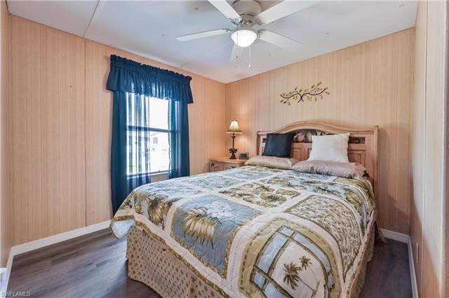 9894 Creekwood Ln, Fort Myers, FL 33905