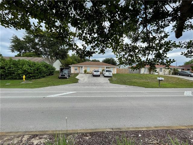 2896 Tropicana Blvd, Naples, FL 34116