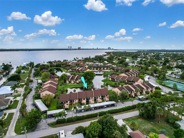 15460 Admiralty Cir 9, North Fort Myers, FL 33917