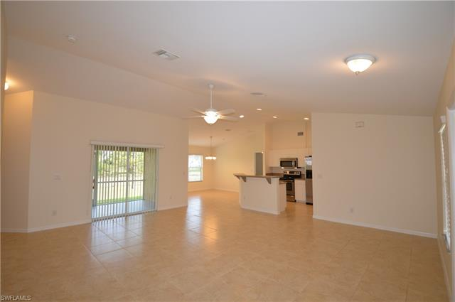 2609 33rd St Sw, Lehigh Acres, FL 33976
