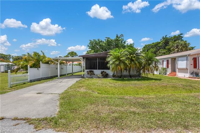 12051 Cypress Dr, Fort Myers, FL 33908