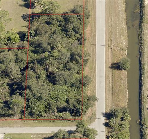 2000 Scott Ave, Alva, FL 33920