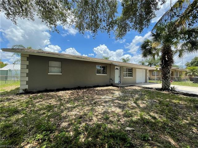 6130 Meadowview Cir, Fort Myers, FL 33916