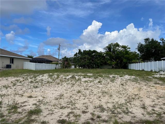 4222 Sw 14th Pl, Cape Coral, FL 33914