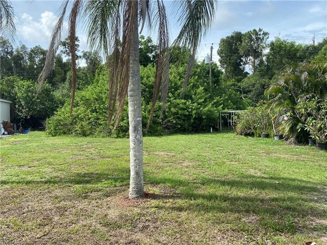 3568 Unique Cir, Fort Myers, FL 33908