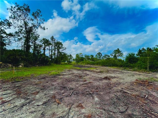 3106 17th St W, Lehigh Acres, FL 33971
