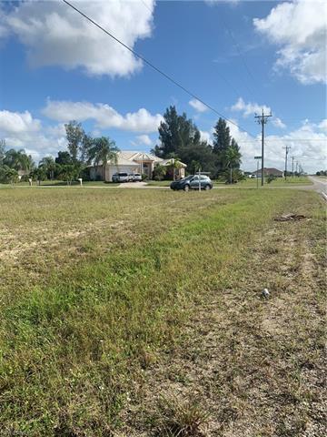 800 Nw 38th Ave, Cape Coral, FL 33993