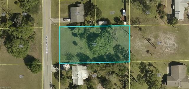 26 Massachusetts Rd, Lehigh Acres, FL 33936