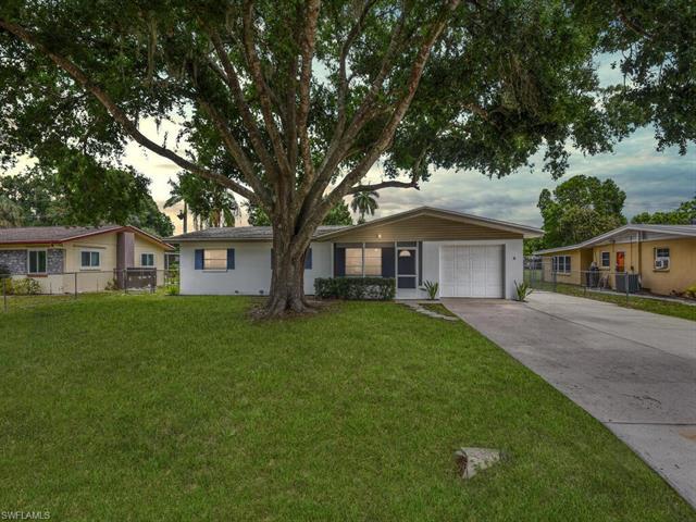 165 Crescent Lake Dr, North Fort Myers, FL 33917