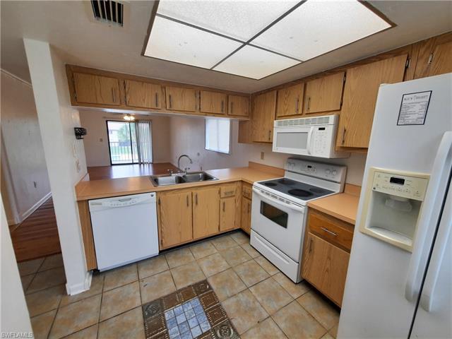 618 Gerald Ave 422, Lehigh Acres, FL 33936