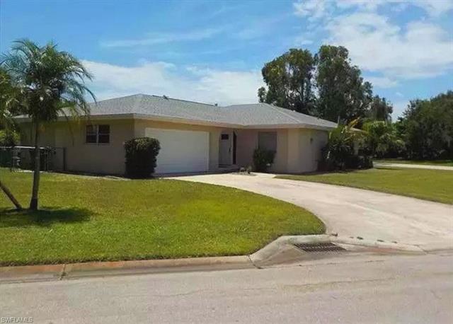 1528 Covington Cir E, Fort Myers, FL 33919