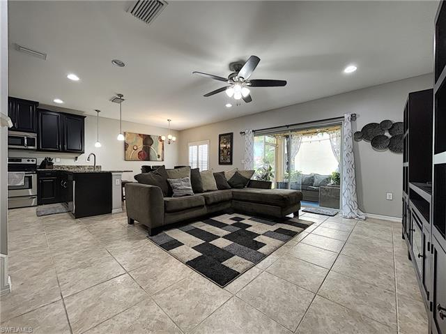 3863 Tibor Cir, Fort Myers, FL 33916
