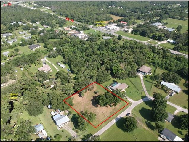 17121 Cypress Creek Dr, North Fort Myers, FL 33917