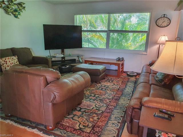 738 Matanzas Ct, Fort Myers Beach, FL 33931