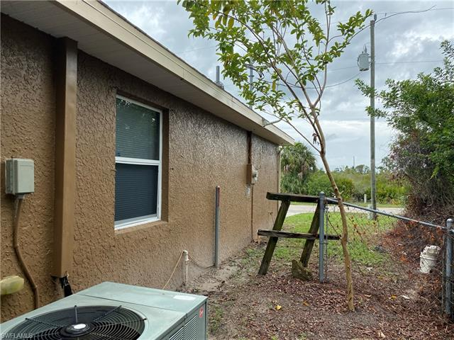 3005 65th St W, Lehigh Acres, FL 33971